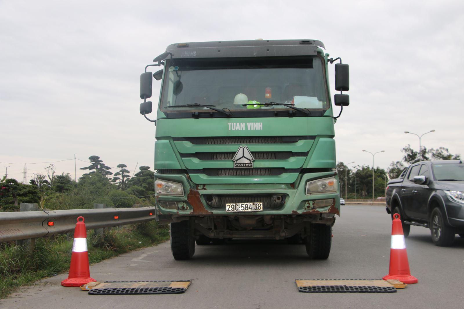 Tiếp tục tăng cường công tác kiểm soát tải trọng phương tiện giao thông